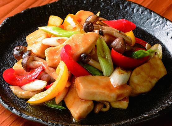 <漬け焼き魚アレンジレシピ> カジキとパプリカの炒め物